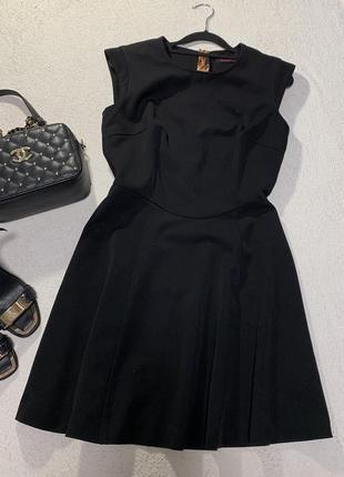 Стильное платье,размер м