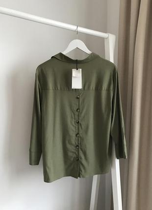 📎 рубашка с пуговицами сзади bershka