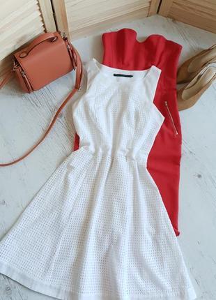 Белочнежное хлопковое платье.