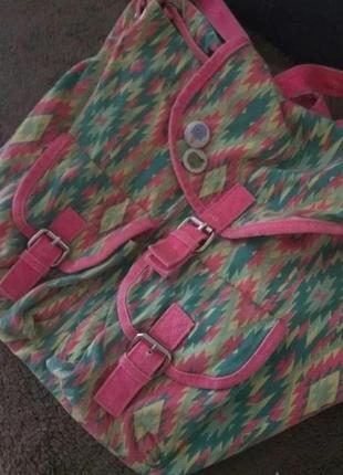 Супер яркий рюкзак