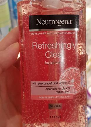 Neutrogena освежающе очищающее средство для лица