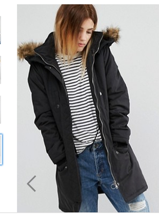 Утепленная куртка с меховым капюшоном и карманами casual comfort синтепон