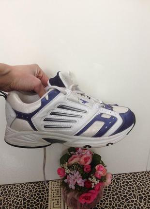 Кожаные кроссовки hi-tec ежедневное обновление- подписуйтесь Hi-Tec ... 43fb161d3a7
