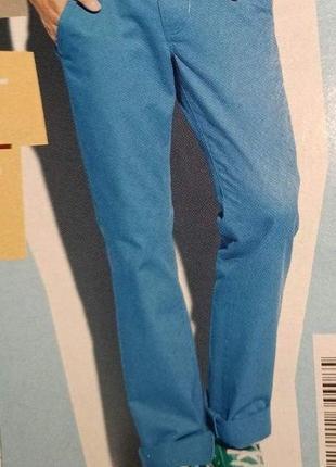 Отличные яркие мужские джинсы livergy. размер евро 50