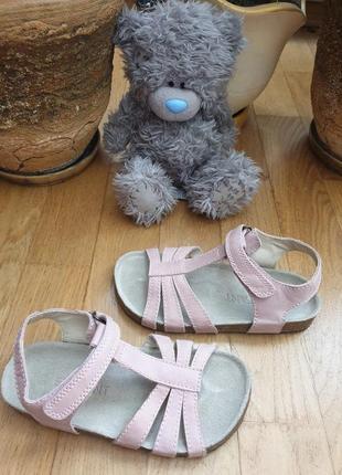 Босоножки кожаные для девочки enfant