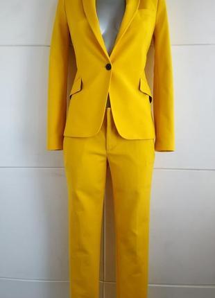 Стильный брючной костюм zara жёлтого цвета