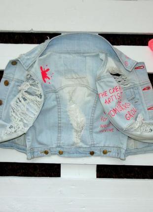 Крута рвана джинсовка з надписам denim go  34(6)xs