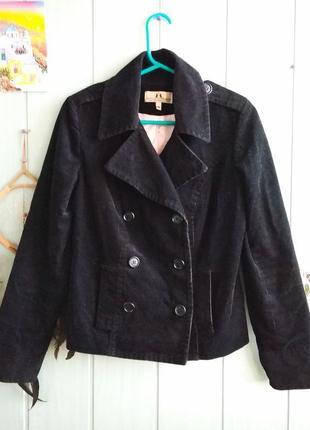 Черная стильная вельветовая куртка, пиджак