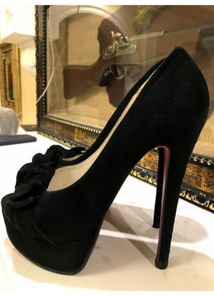 Замшевые туфли с открытым носком epiffani
