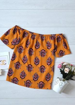 Чудова блуза в красивий орнамент, відкриті плечі papaya
