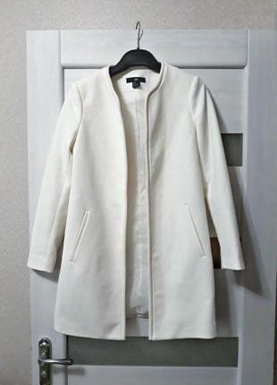 Удлинённый молочный пиджак h&m 34р