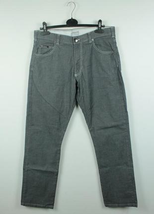 Оригинальные стильные  джинсы armani collezioni