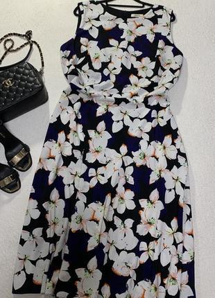 Стильное платье,размер 4xl