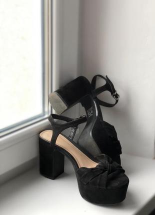 Туфли чёрные bershka
