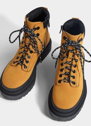 Ботинки тимберленды оранжевые на платформе bershka