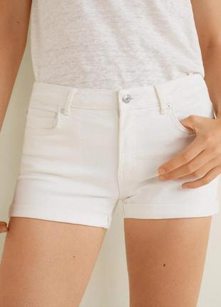 Крутые женские белые джинсовые шорты s-m mango оригинал