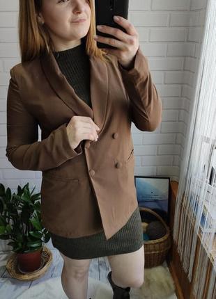 Трендовый двубортный пиджак boohoo удлиненный