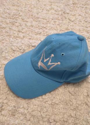 Стильная женская кепка с принтом корона