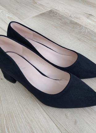 Papaya, чорні туфлі 39р.