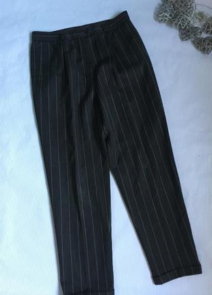 Стильные брюки в полоску