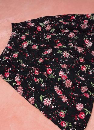 Женская черная юбка в цветочек laura ashley