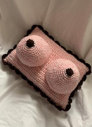 Подушка-грудь. для дома. для машины. подарок. hand made.