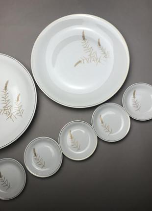 Семь винтажных фарфоровых тарелок volkstedt винтаж германия фарфор