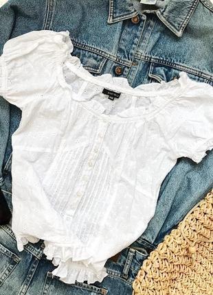 Классная трендовая красивая белая блуза топ прошва шитьё перфорация с рюшами