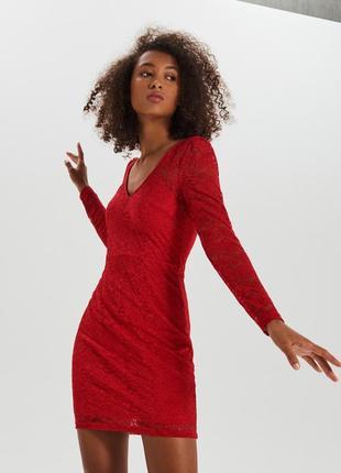 Красное кружевное платье s m