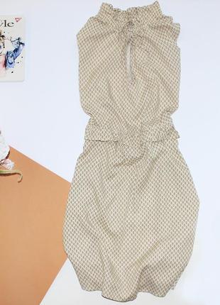 Красивое приталенное нежное платье в принт с кулиской