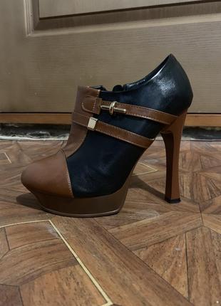 Ботинки на каблуке на 38 размер