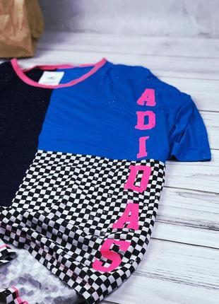 Удлиненная футболка adidas с большим лого