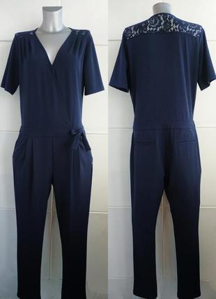 Стильный комбинезон с брюками sora темно-синего цвета с кружевом