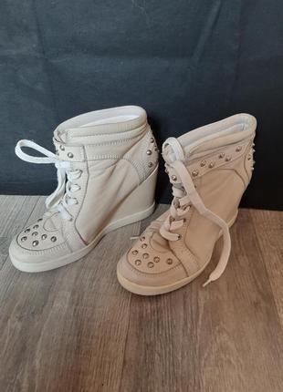 Распродажа женской обуви! ботинки деми на платформе