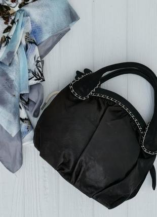 Элегантная кожаная сумочка