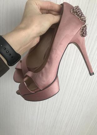 Очень красивые туфли little misteress