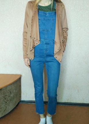 Крутой джинсовый комбинезон
