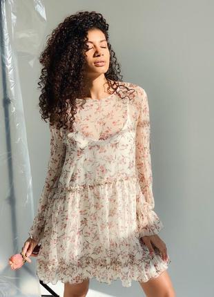 Милое легкое платье в цветочный принт свободного кроя