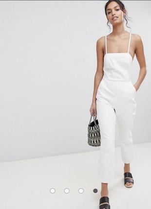 Белый джинсовый комбинезон халтер
