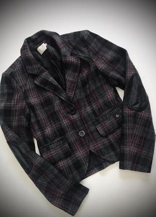 Дорогой шерстяной пиджак
