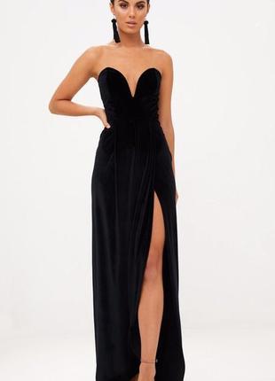 Черное бархатное платье макси на запах