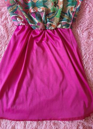 Яркое летнее платье без рукавов длинное сзали короткое впереди4 фото