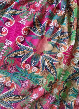 Яркое летнее платье без рукавов длинное сзали короткое впереди8 фото