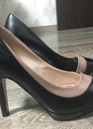 Туфли лодочки на каблуке классические