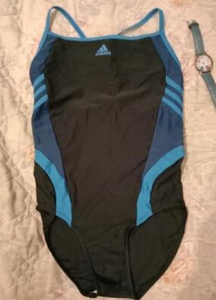 Отличный спортивный яркий сдельный купальник adidas