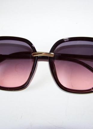 Крупные черные очки-бабочки с дымчатой линзой серо-розовый градиент3 фото