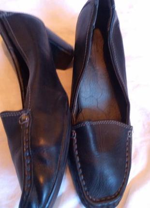 Женские фирменные,кожаные туфли