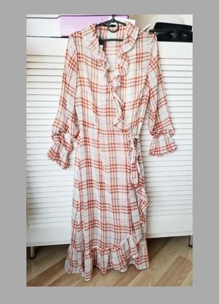 Шикарное платье в клетку only,на запах,терракотовый цвет,шифоновое,с воланами