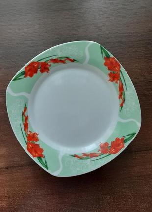 Набор квадратных тарелок