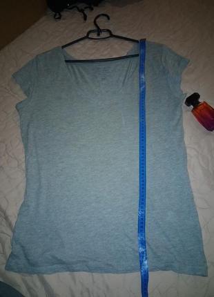 Базовая футболка свободного покроя очень приятная ткань- m l